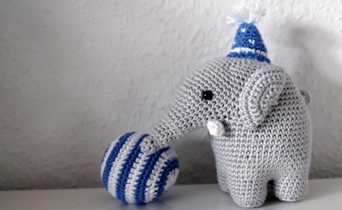 Amigurumi Elefant mit Ball und Hut häkeln