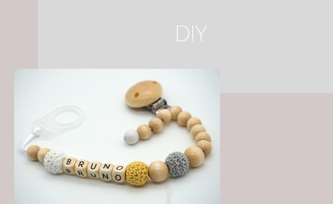 Schnullerkette aus Holzperlen mit Name DIY